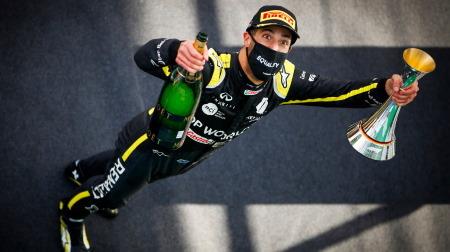リカルド、ルノーに表彰台をもたらしひとりシューイを実施@F1アイフェルGP