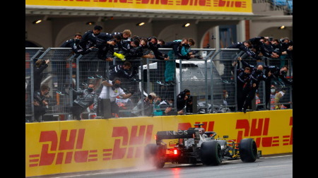 ハミルトンが卓越したタイヤマネジメントで優勝@F1トルコGP