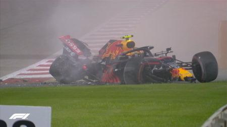 レッドブルのアルボン、グリップ不足でクラッシュ@F1バーレーンGP初日