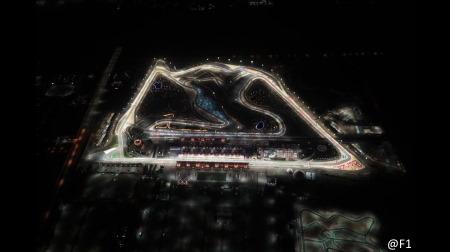 F1サクヒールGP、グロージャンの事故現場にタイヤバリアを設置