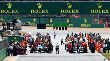 F1土曜日スプリントレース案は正式決定見送り