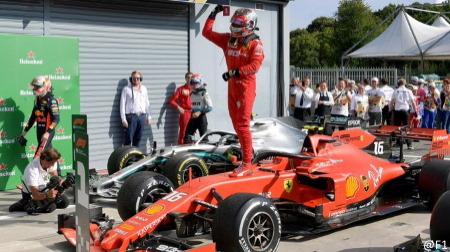 フェラーリ、ルクレールにSF90をプレゼント