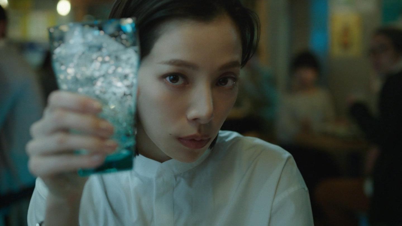 女優 サントリー すい cm