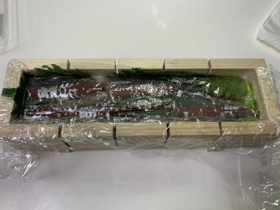 成型された押し寿司