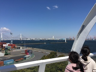 横浜シンボルタワーから大黒ふ頭