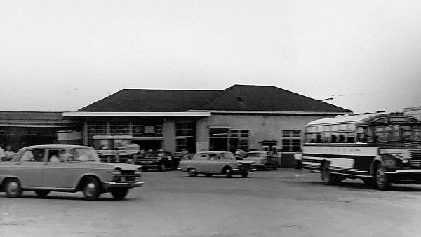 1024px-Kuroiso_Station_1966.jpg