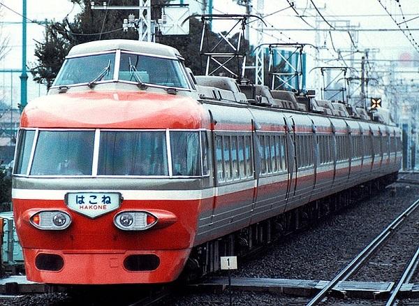 800px-Odakyu_NSE_3100.jpg