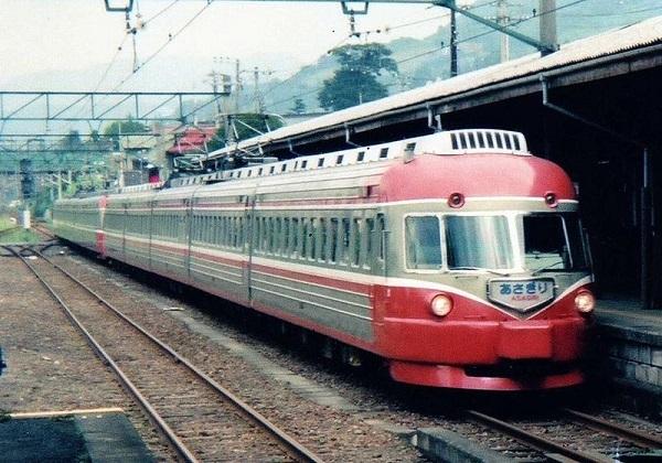 ODAKYU-ROMANCECAR-SSE-3000.jpg