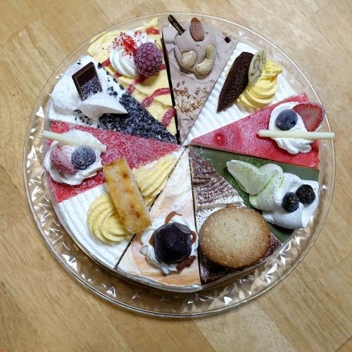 シャトレーゼ Xmasアイスアソートケーキ (9)