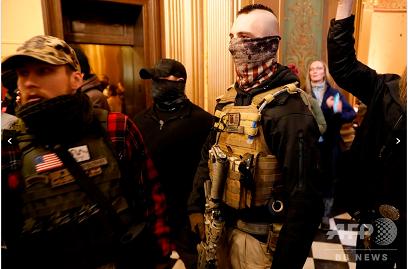 20200501ミシガン州議会武装デモ隊
