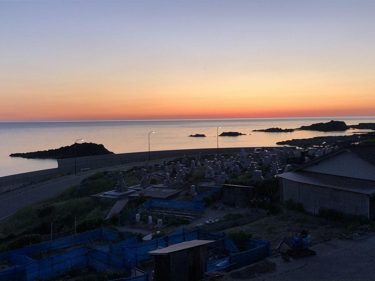 2020-05-30 宿から見た日没2