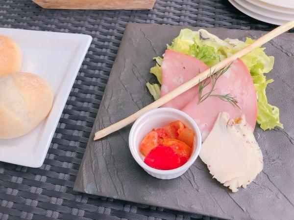 関川テラス前菜とパン