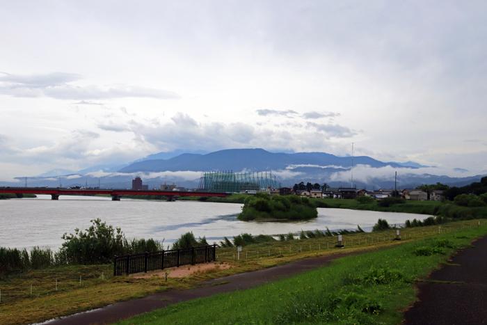 関川堤から