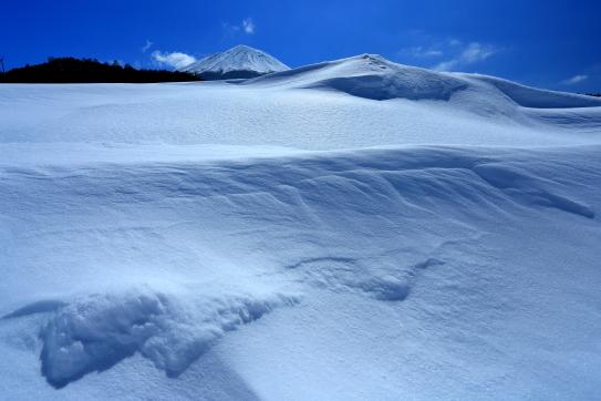残雪輝く御嶽山