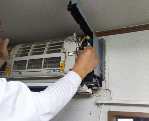 家事代行カジタクおそうじ機能付きのエアコンそうじ (5)