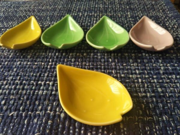 小さな食器 (2)