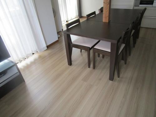 ドイモイ北海道家具 オーダー家具ダイニングテーブル (6)