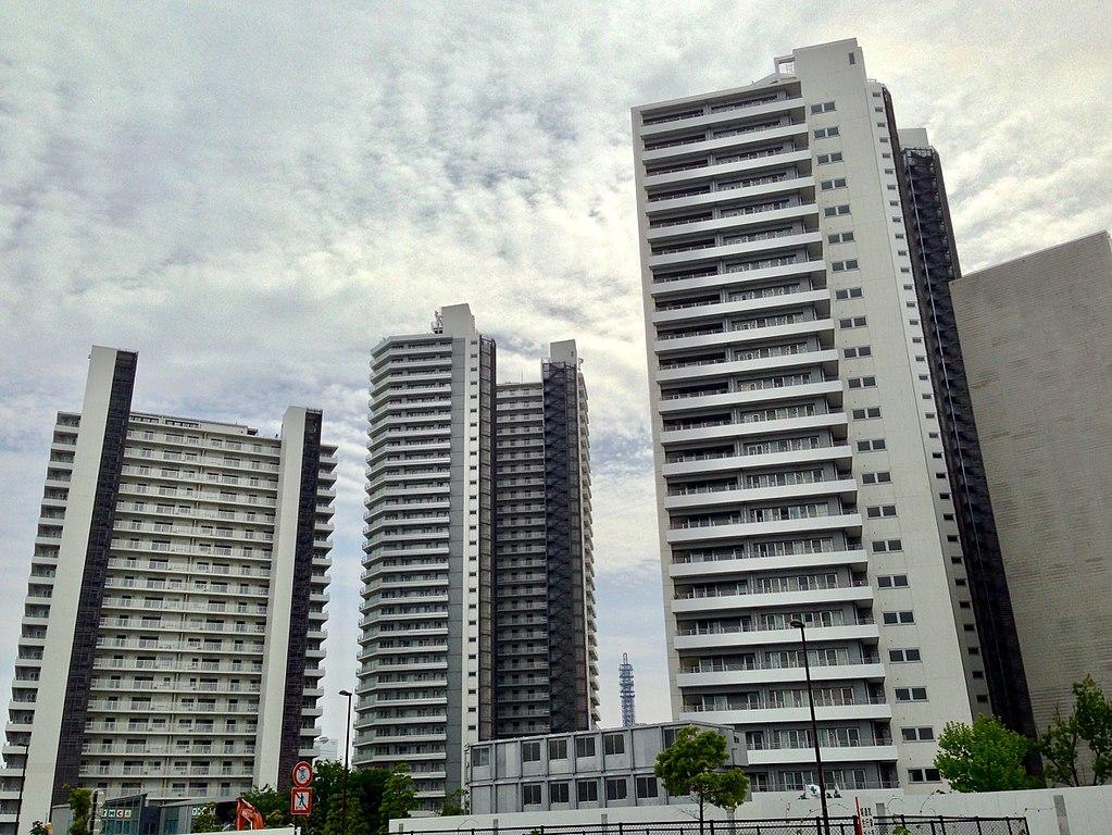 高層住宅も建ち並ぶ