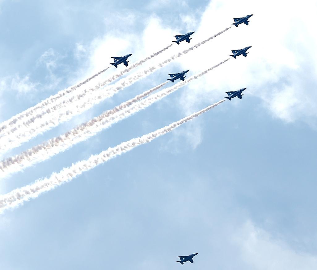 ブルーインパルス航過飛行_15