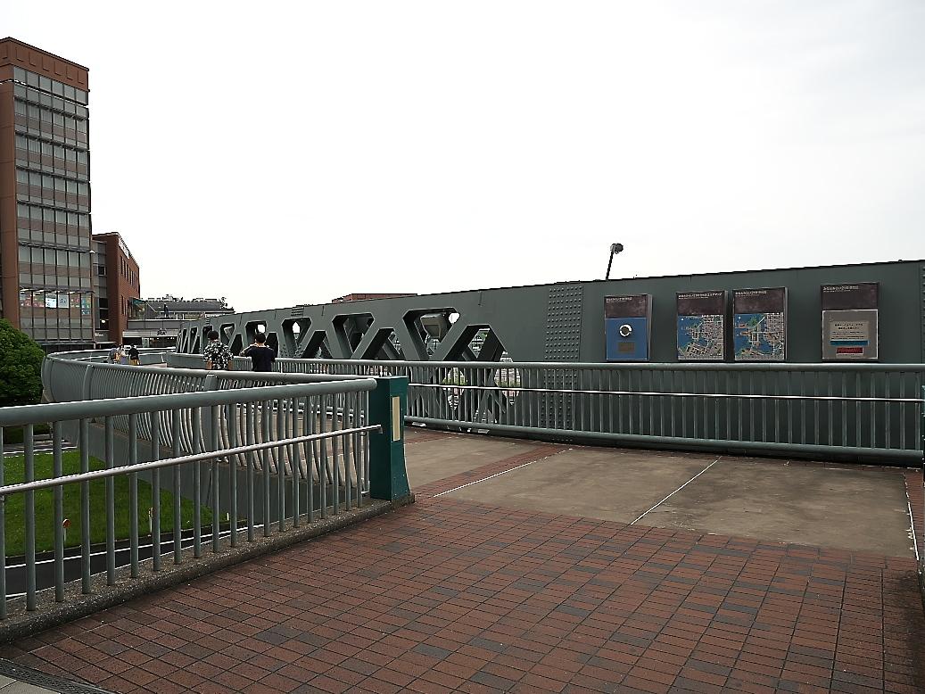 新港サークルウォークとそこからの展望_1