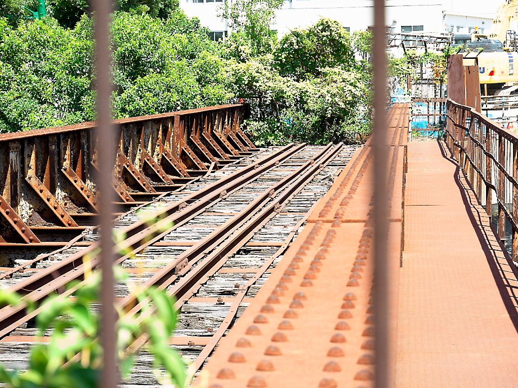 廃止されている鉄橋_3