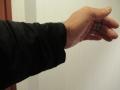201103袖口は緩めのユニクロ長袖