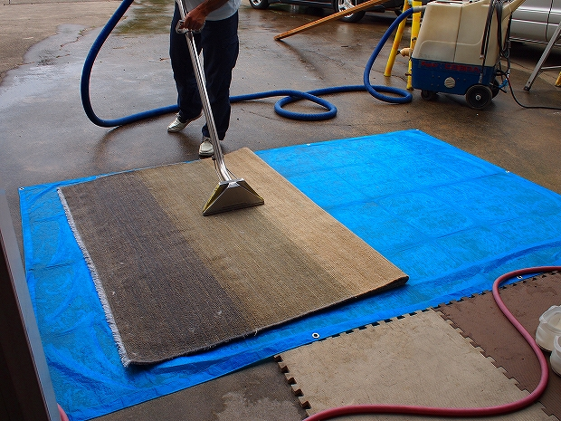 絨毯丸洗い