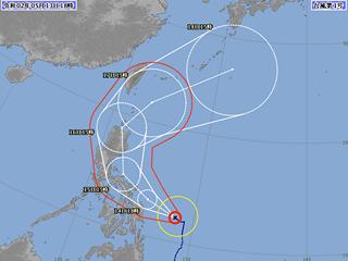 台風1号進路図(5月13日18時)
