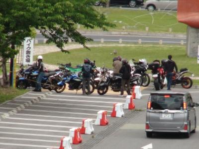 バイクもたくさん来てます