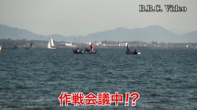 穏やかな土曜日の琵琶湖!! 北湖で釣り中のボートが目立ちます w #今日の琵琶湖(YouTubeムービー)