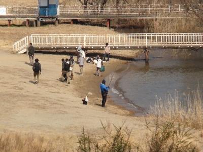 びわ湖大橋米プラザは人がちょっと多いのが気になります(2月13日11時20分頃)