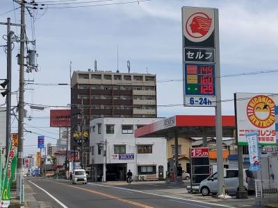 レギュラーガソリン149円/L ハイオク160円/L 西近江路沿い大釣り本堅田のセルフGSで(21/04/22)