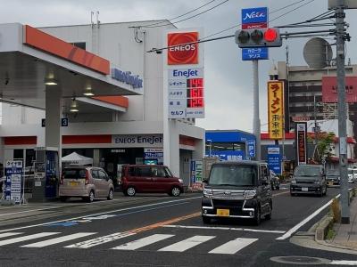 レギュラーガソリン149円/L ハイオクk160円/L 西近江路沿い大津市本堅田のセルフGSで(21/04/28)