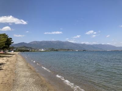 真野浜から眺めた琵琶湖北湖は晴天軽風のいい天気です(4月19日12時15分頃)