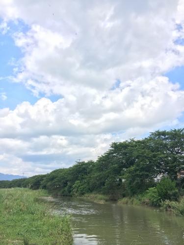 堅田周辺は雲が多めの天気でしたが、晴れ間から日が射したら暑い暑い!!