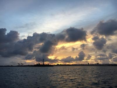 朝からこんな雲がモクモクと急発達して激しいスコールに見舞われました