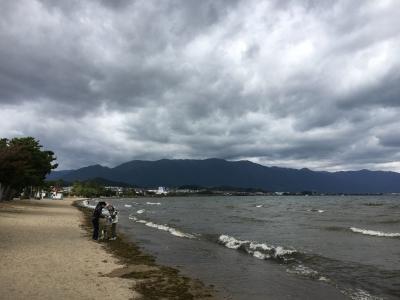 琵琶湖北湖は今日も北西の風で荒れてます(10月30日11時20分頃)