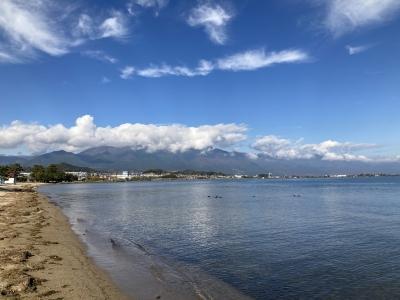 真野浜から眺めた琵琶湖北湖。朝からよく晴れて風も弱く穏やかないい天気になりました(12月2日11時頃)