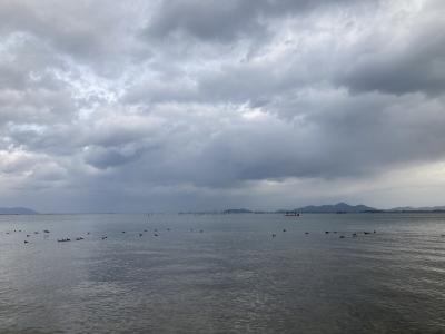 真野浜から眺めた琵琶湖北湖 この頃は穏やかだったんですが・・・(12月13日11時頃)