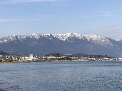 真野浜から眺めた比良山 今日はよく晴れてきれいに見えました(1月5日12時30分頃)