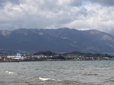 真野浜から長めが琵琶湖北湖は北からウネリが押し寄せてます(1月27日13時30分頃)