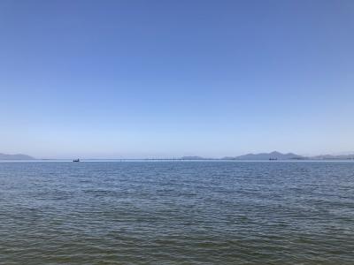 真野浜から眺めた琵琶湖北湖はほぼ快晴微風のものすごくいい天気です(3月18日13時頃)