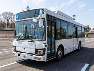 いすゞ自動車が開発した中型の自動運転バス