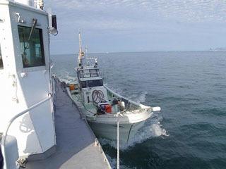 海保の巡視艇に救助されたボート
