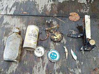 十二湖で見付かったポイ捨てゴミと遺棄釣り具