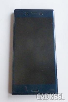 200731割れたスマートフォンの保護フィルム