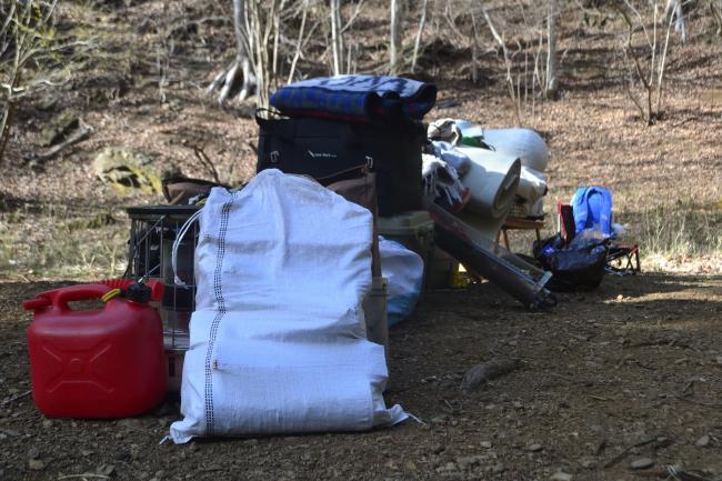 何がなんでもキャンプだし トイプードル ココア 初キャンプ 車酔い 嘔吐 ドライブ オートサイト 荷物運び 散歩