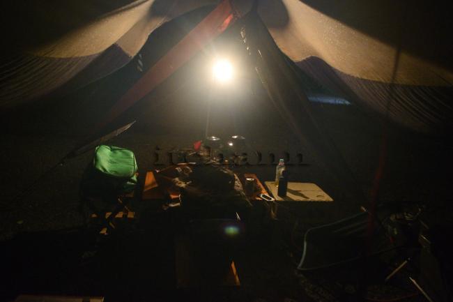 何がなんでもキャンプだし 久保キャンプ場 ライジングフィールド軽井沢 室久保グリーンパーク 豪雨 オガワ フィールドタープオクタ ウォーラス テント 雨漏り シーム