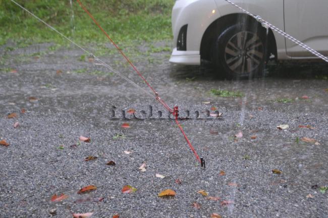 何がなんでもキャンプだし 久保キャンプ場 土砂降り 毎時100ミリ 豪雨 雨漏り タープ 雨漏り ソトラボ TC テンティピ