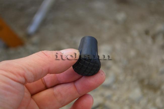 何がなんでもキャンプだし ヘリノックス チェアワン ラバーフィート モンベル 破損 交換 ティッププロテクタ ブラックダイアモンド トレッキングポール 汎用石突きガード